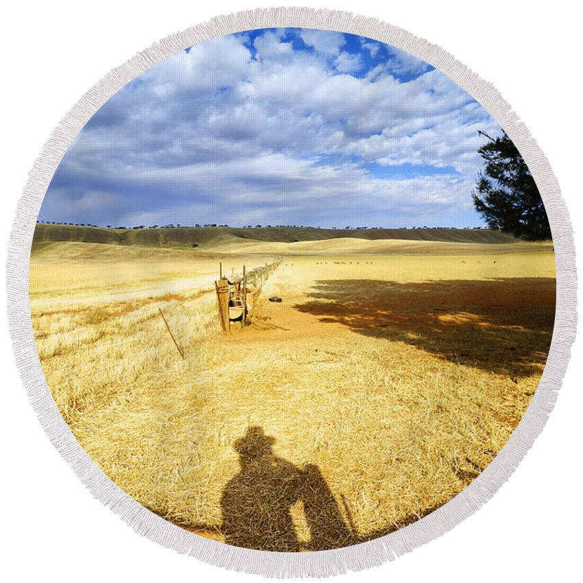 Landscape Round Beach Towel featuring the photograph Day Dreaming by Wayne Sherriff