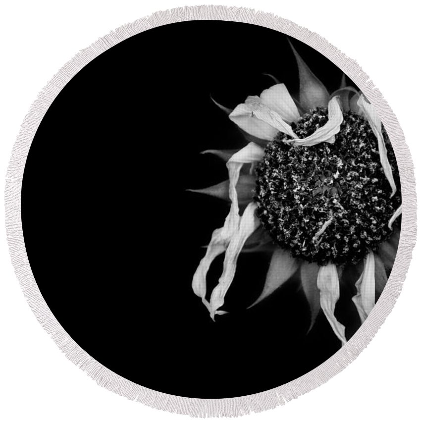 Black And White Round Beach Towel featuring the photograph Ballet Flower by Sean Wray