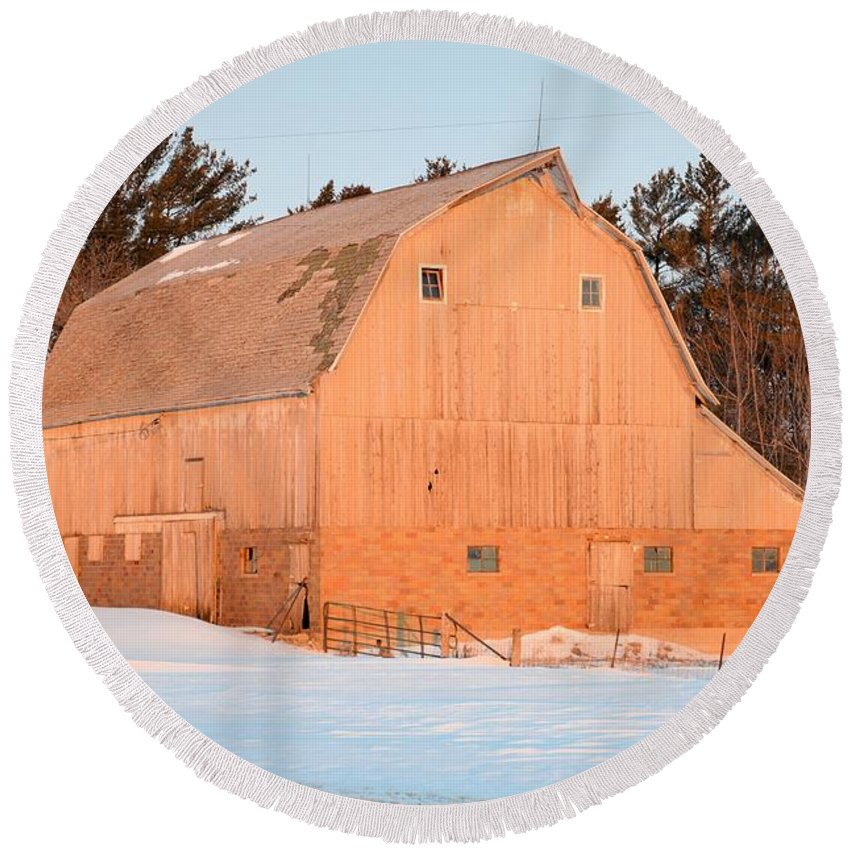 Barn Round Beach Towel featuring the photograph Defunct Winter by Bonfire Photography