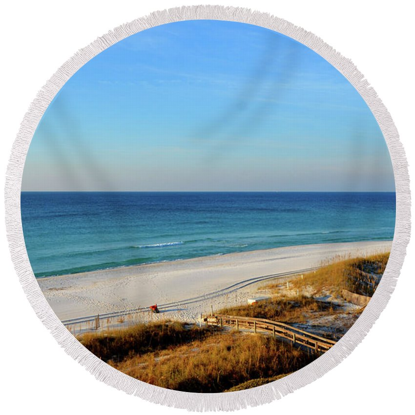 Gulf Of Mexico Round Beach Towel featuring the photograph Destin by Brian Stone