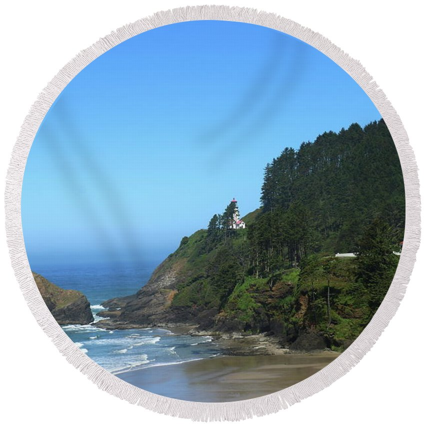 Stone Round Beach Towel featuring the photograph Devils Elbow Bay by Christiane Schulze Art And Photography
