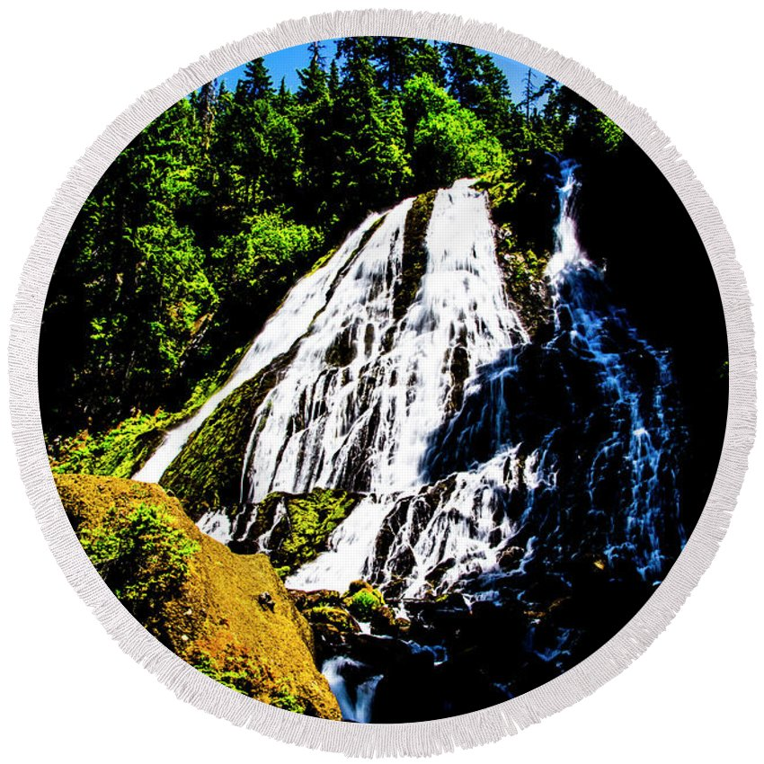 Round Beach Towel featuring the photograph Diamond Creek Falls by Angus Hooper Iii