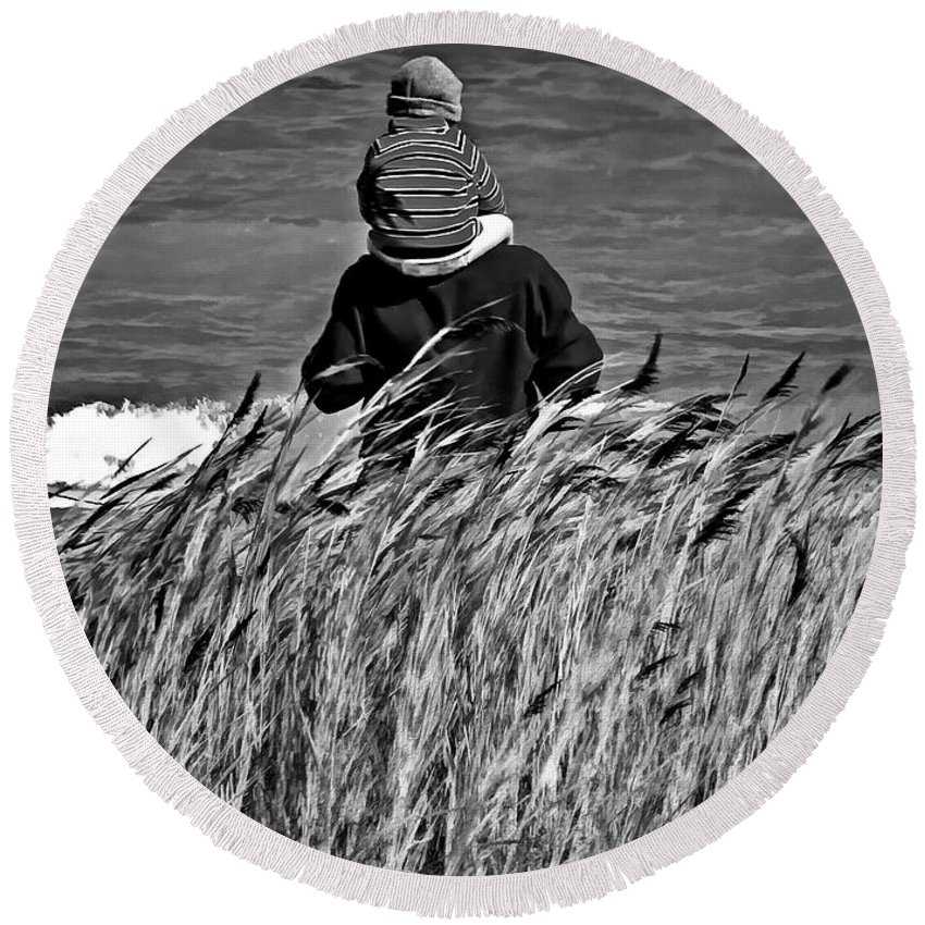 Discovery Round Beach Towel featuring the photograph Discovery Bw by Steve Harrington