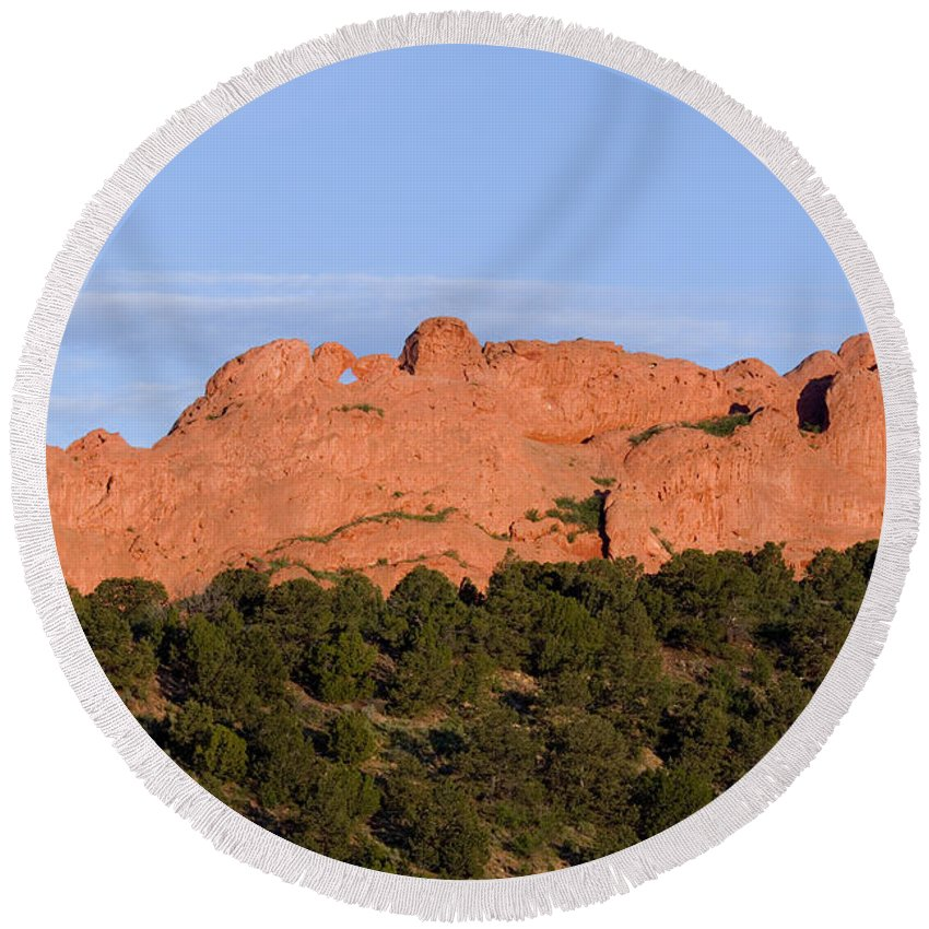 Garden Of The Gods Round Beach Towel featuring the photograph Distant Camels In The Garden Of The Gods by Steve Krull