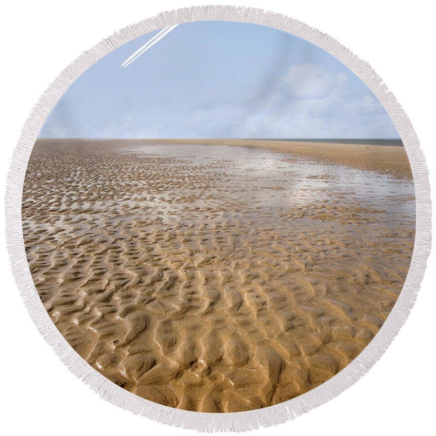 Travel Round Beach Towel featuring the photograph Distant Horizon by Mal Bray