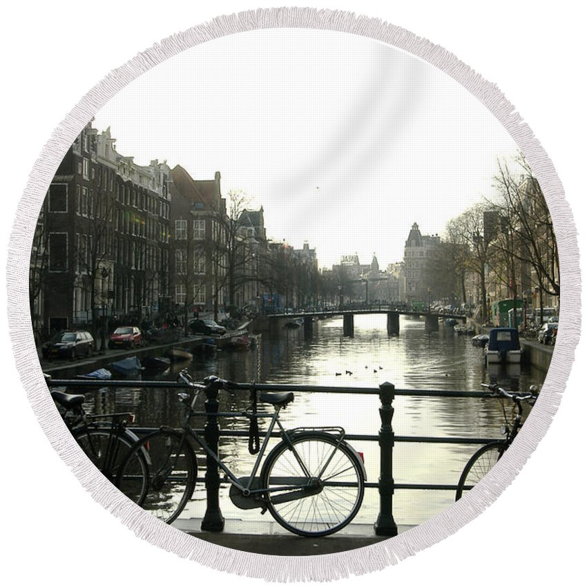 Landscape Amsterdam Red Light District Round Beach Towel featuring the photograph Dnrh1103 by Henry Butz