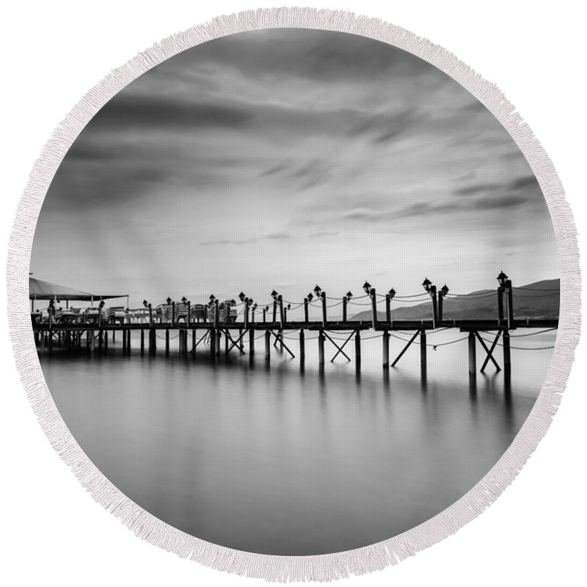 Dock Round Beach Towel featuring the photograph Dock At Autumn by Dogukan Benli