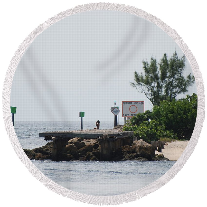 Sky Round Beach Towel featuring the photograph Dock Girl by Rob Hans
