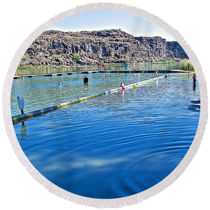Docks Form Perimeter Of Dierkes Lake In Snake River Near Twin Falls Round Beach Towel featuring the photograph Docks Form Perimeter Of Dierkes Lake In Snake River Near Twin Falls-idaho by Ruth Hager