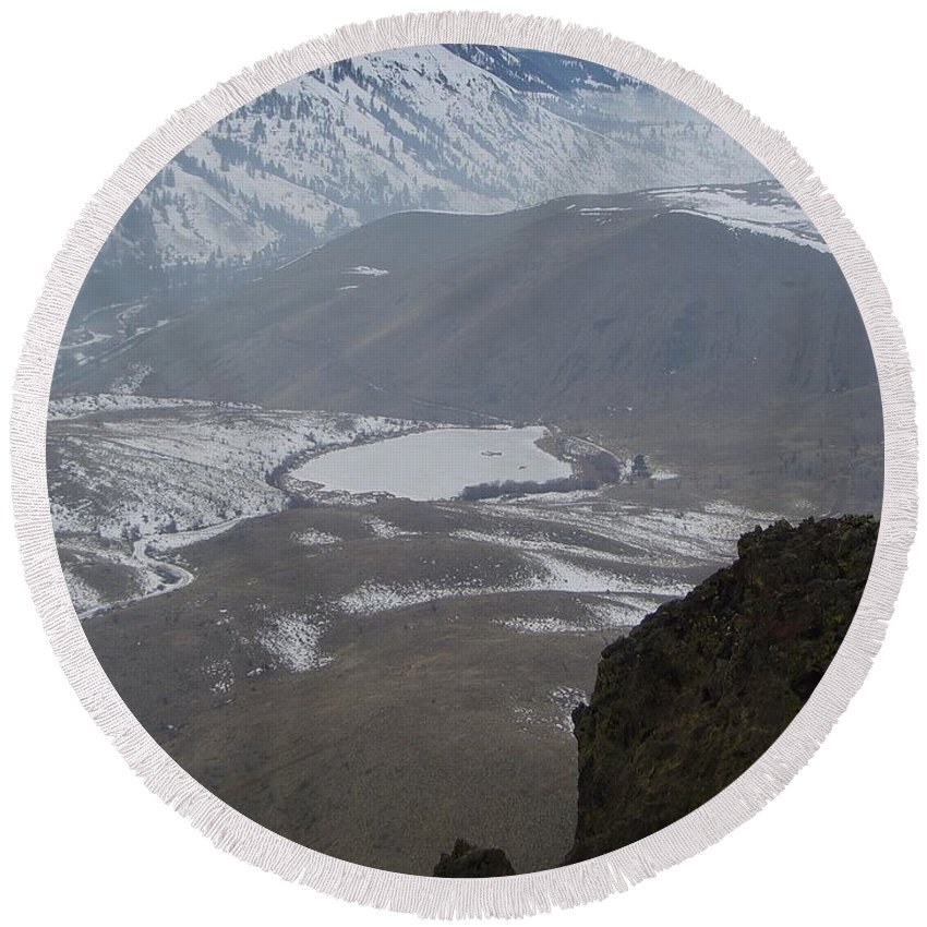 Lakes Round Beach Towel featuring the photograph Dog Lake From Mt Clemons by Jeff Swan