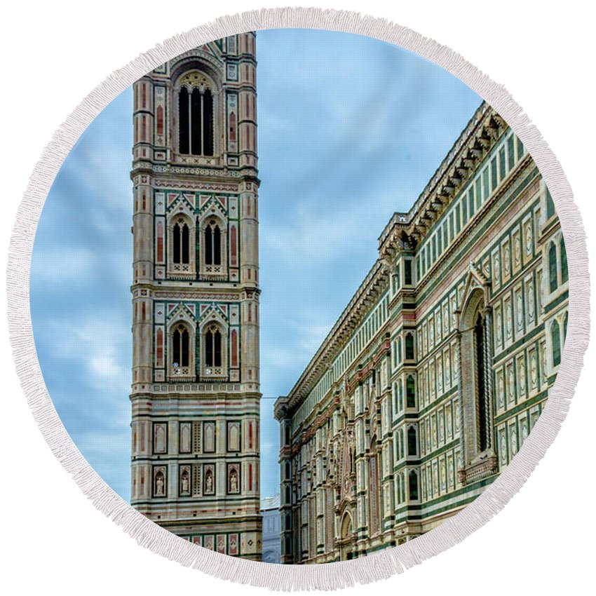 Cathedral Round Beach Towel featuring the photograph Dom Of Florence by Wolfgang Stocker