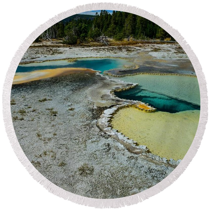 Yellowstone Round Beach Towel featuring the photograph Doublet Pool Hot Spring In Yellowstone by Marilyn Burton