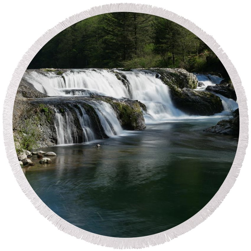 Waterfalls Round Beach Towel featuring the photograph Dougan Falls by Jeff Swan