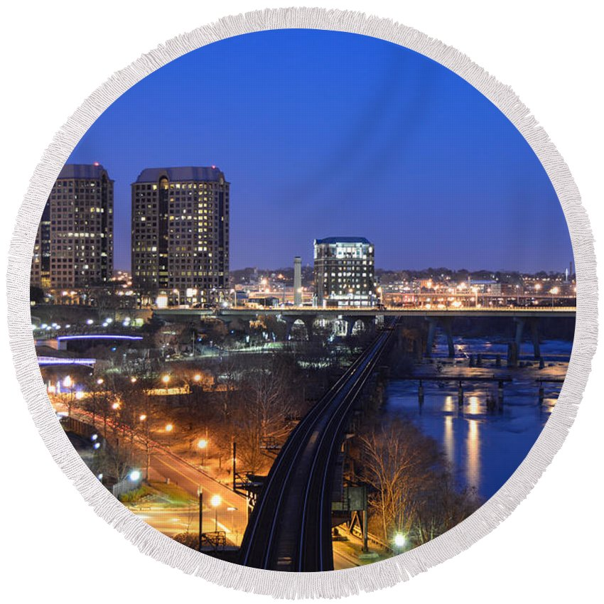 Richmond Round Beach Towel featuring the photograph Downtown Nightlife by Aaron Dishner