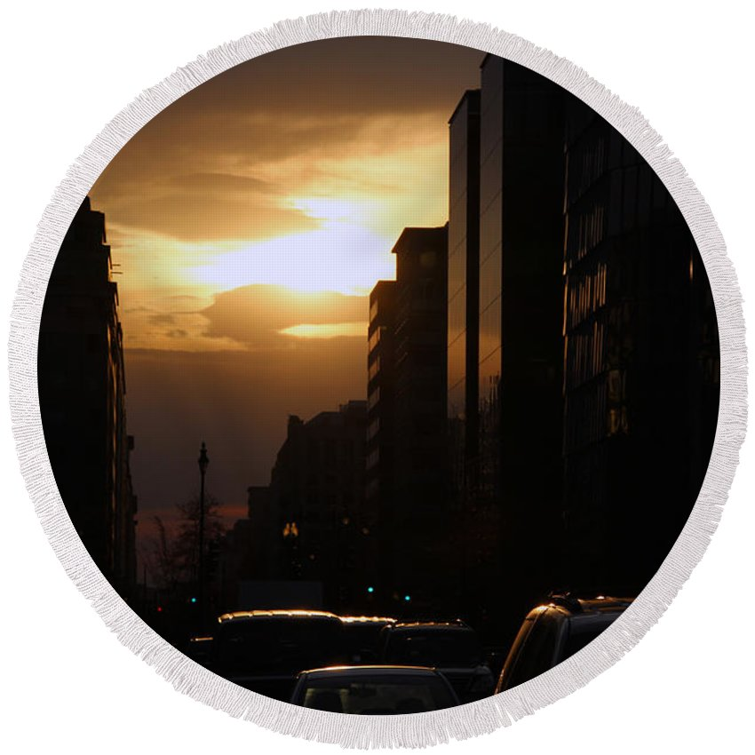 Sun Round Beach Towel featuring the photograph Downtown Sunset From Parking Lot by Cora Wandel