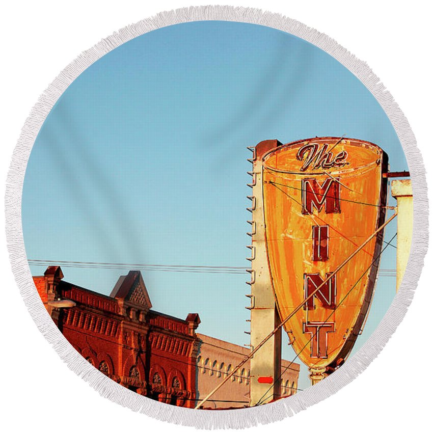 Horizontal Round Beach Towel featuring the photograph Downtown White Sulphur Springs by Todd Klassy