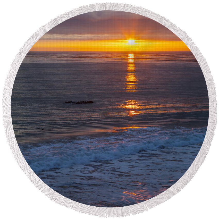 Vertical Round Beach Towel featuring the photograph Dramatic Ocean Reflection Of Color by Sharon Foelz