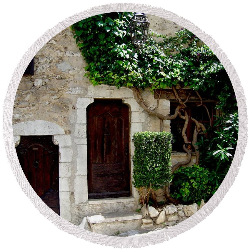 Italy European Home Doorways Round Beach Towel featuring the photograph Dream On by Joanne Smoley
