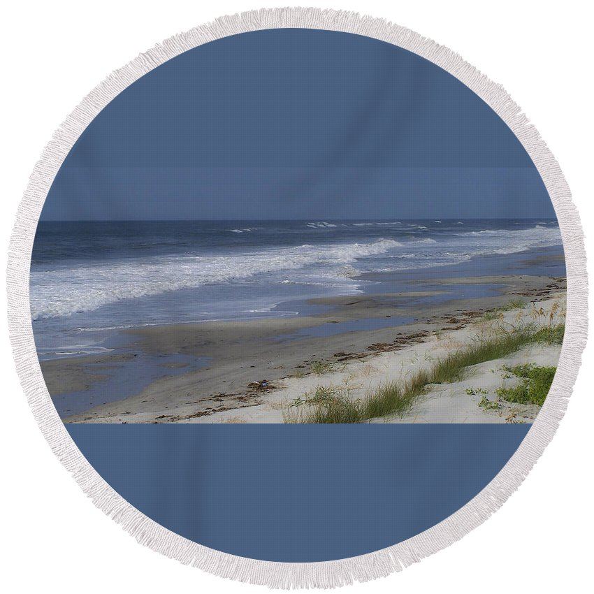 Ocean Round Beach Towel featuring the photograph Dreamy Beach In North Carolina by Teresa Mucha