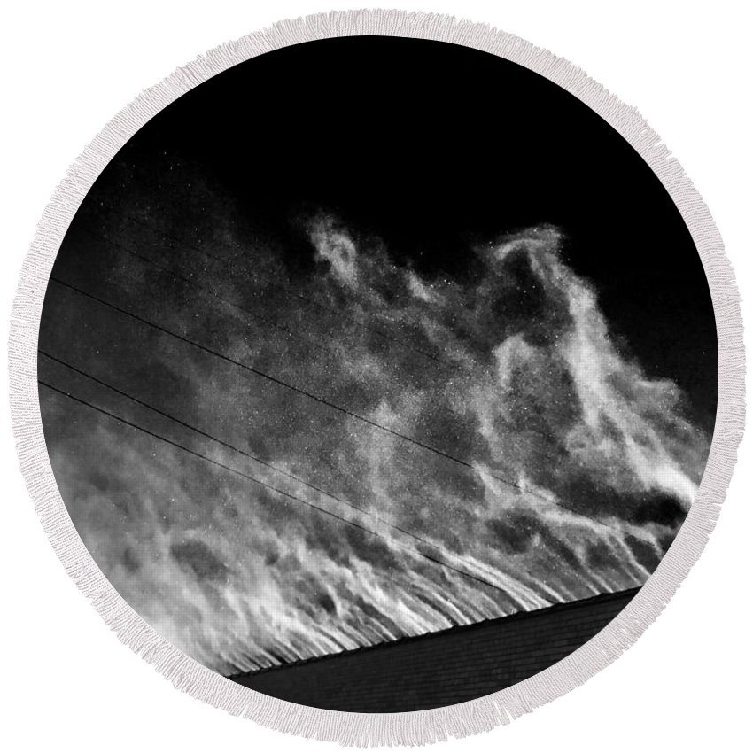 Snow Round Beach Towel featuring the photograph Drift #4 by Julian Grant