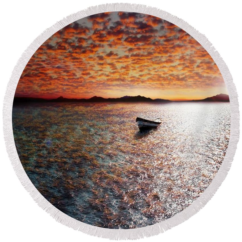 Ocean Round Beach Towel featuring the photograph Drift Away by Jacky Gerritsen