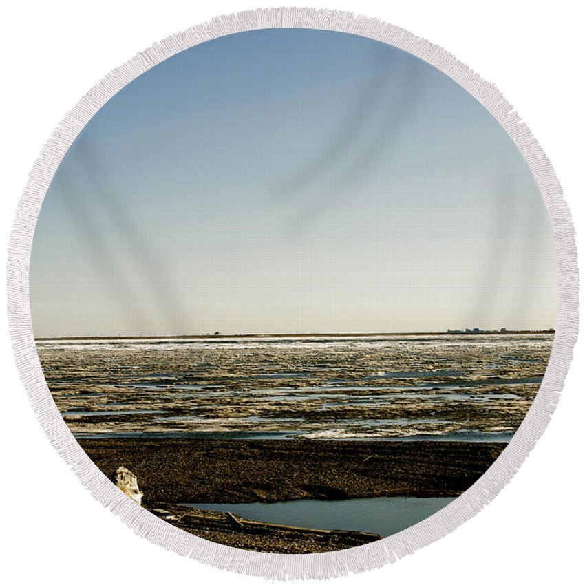 Driftwood Round Beach Towel featuring the photograph Driftwood On Arctic Beach by Anthony Jones