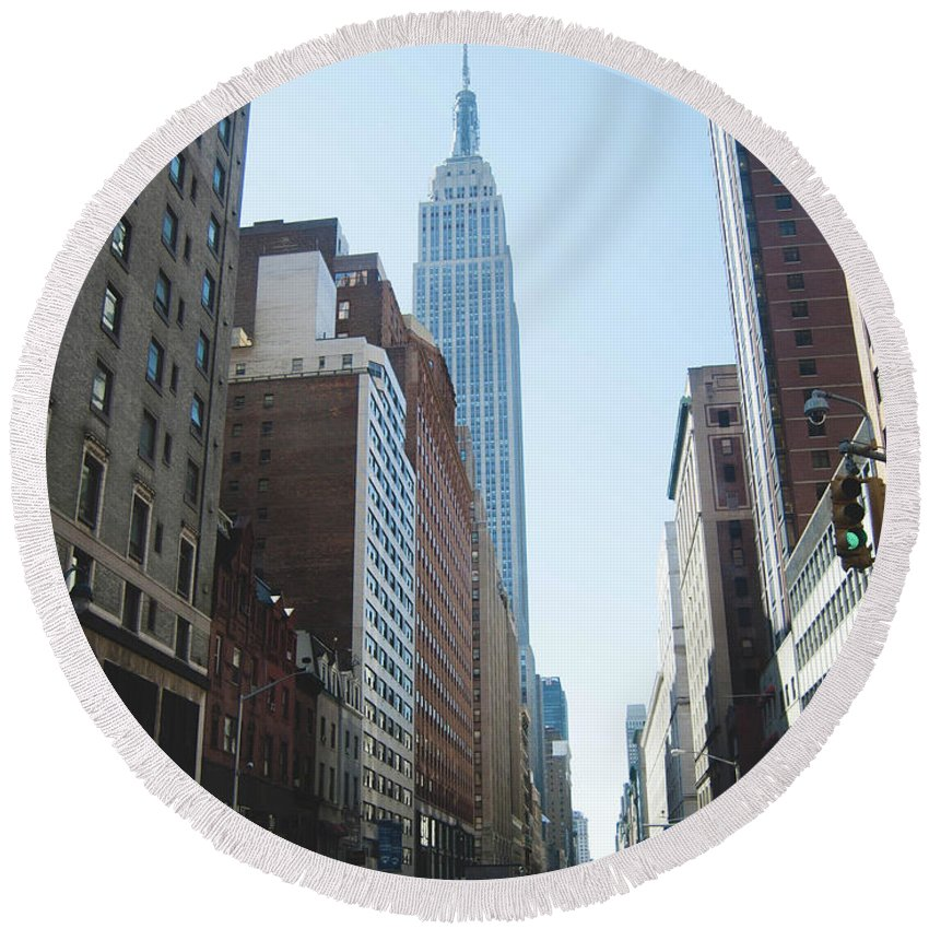 New York City Round Beach Towel featuring the photograph Drive Though The City by Anna Friedrichs