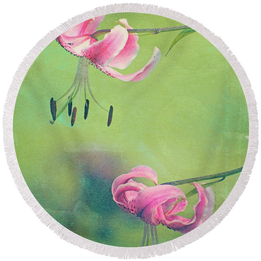 Round Beach Towel featuring the photograph Duet - V01a by Variance Collections