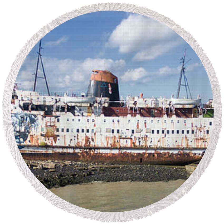Duke Of Lancaster Round Beach Towel featuring the photograph Duke Of Lancaster 3 Pano by Steev Stamford