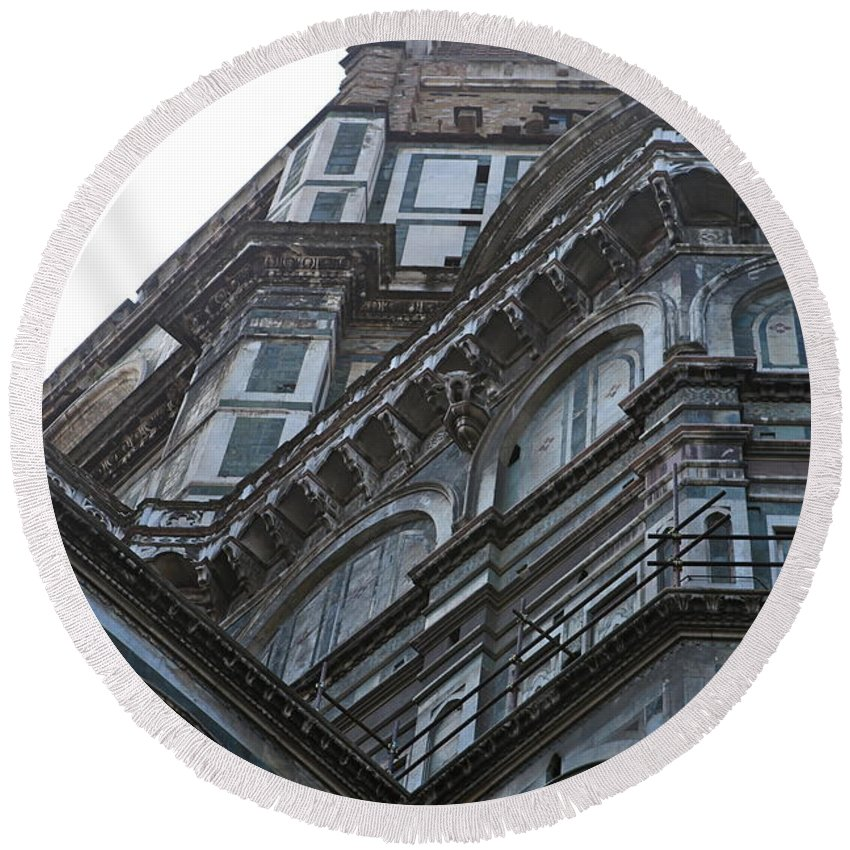 Architecture Round Beach Towel featuring the photograph Duomo In Florence by Nadine Rippelmeyer