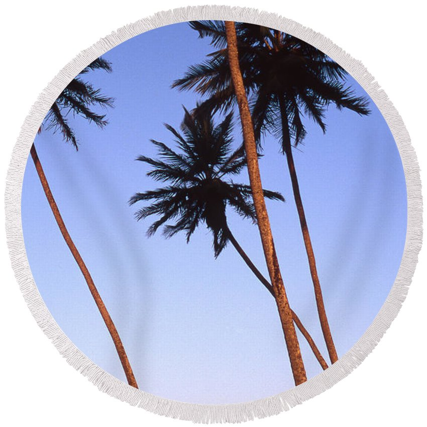 Bahia Round Beach Towel featuring the photograph Dusk In Morro by Patrick Klauss