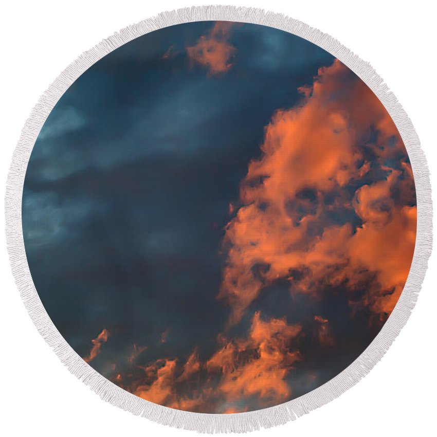 2d Round Beach Towel featuring the photograph Dynamic Sky by Brian Wallace