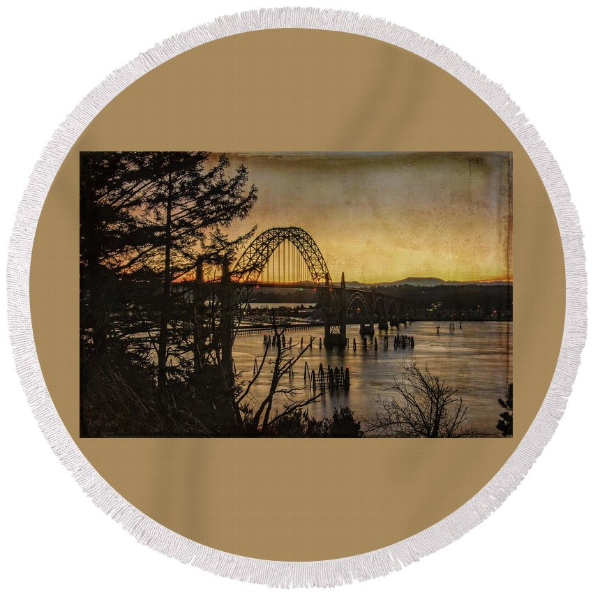 Yaquina Bay Bridge Round Beach Towel featuring the photograph Early Morning At The Yaquina Bay Bridge by Thom Zehrfeld