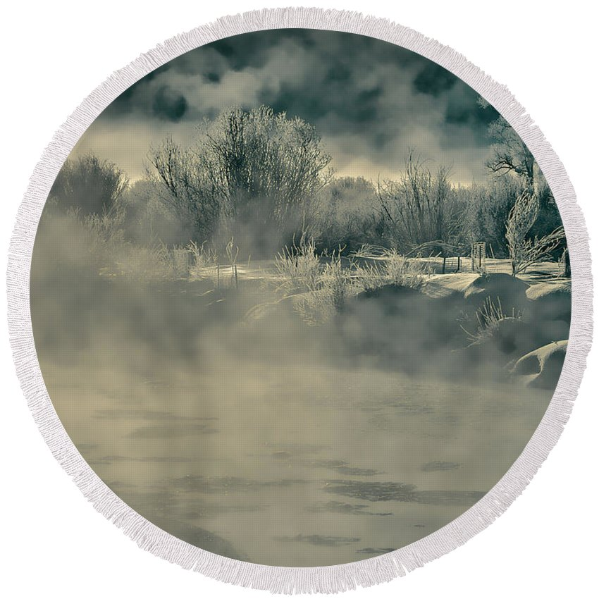 River Round Beach Towel featuring the photograph Early Morning Frost On The River by Don Schwartz