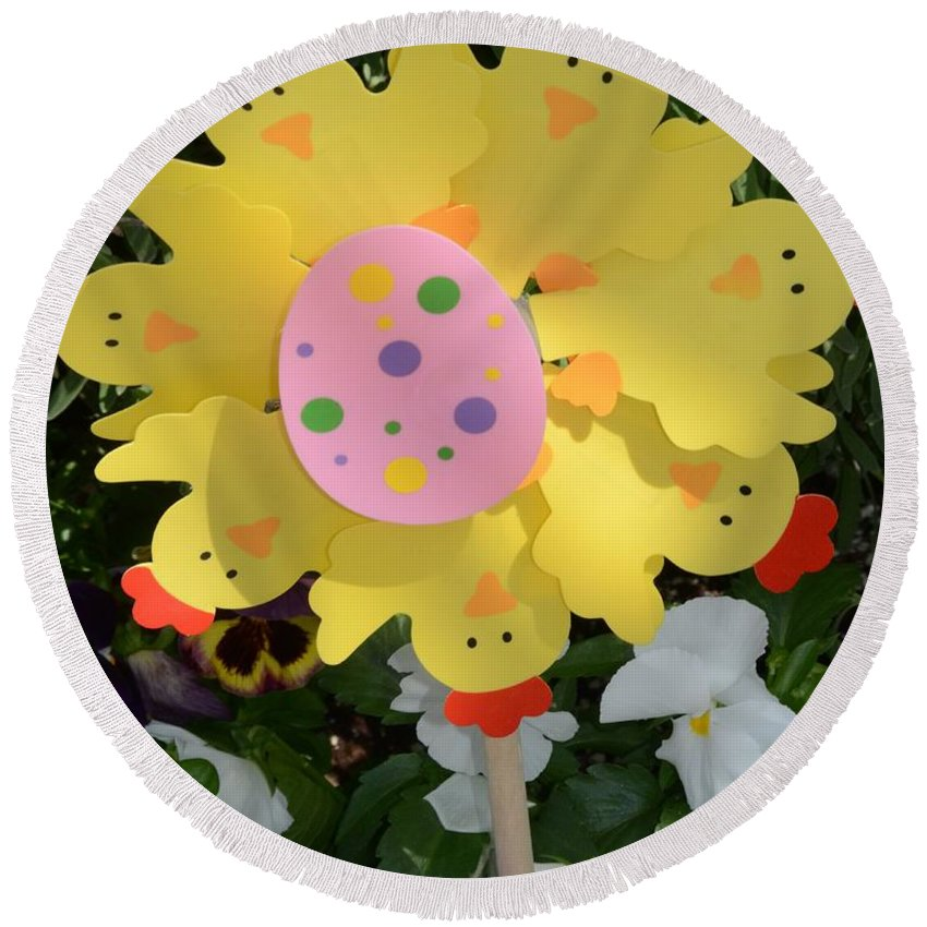 Easter Round Beach Towel featuring the photograph Easter Chick Decoration by Kathleen Struckle