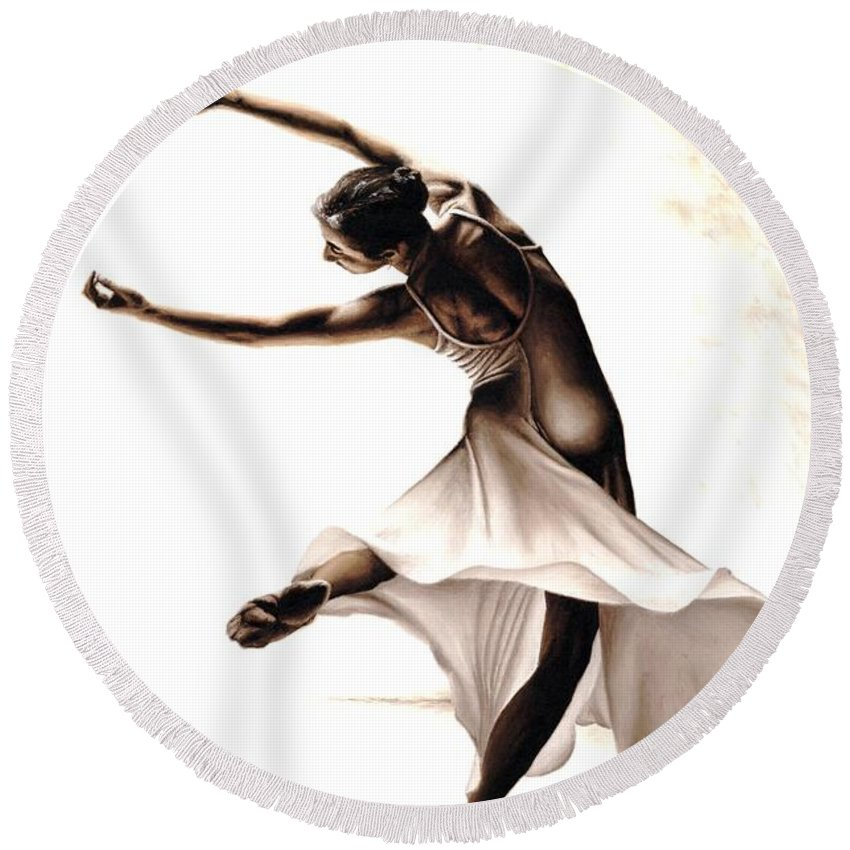 Dancer Round Beach Towel featuring the painting Eclectic Dancer by Richard Young