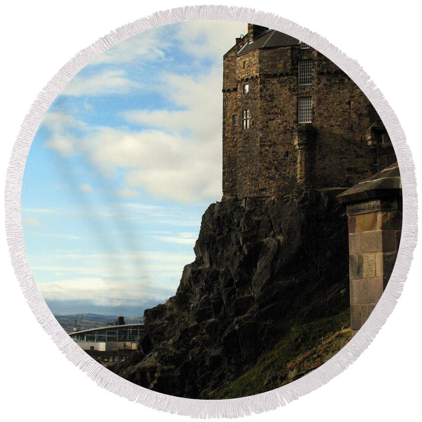Castle Round Beach Towel featuring the photograph Edinburgh Castle by Amanda Barcon