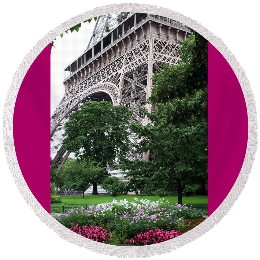 Eiffel Round Beach Towel featuring the photograph Eiffel Tower Garden by Margie Wildblood
