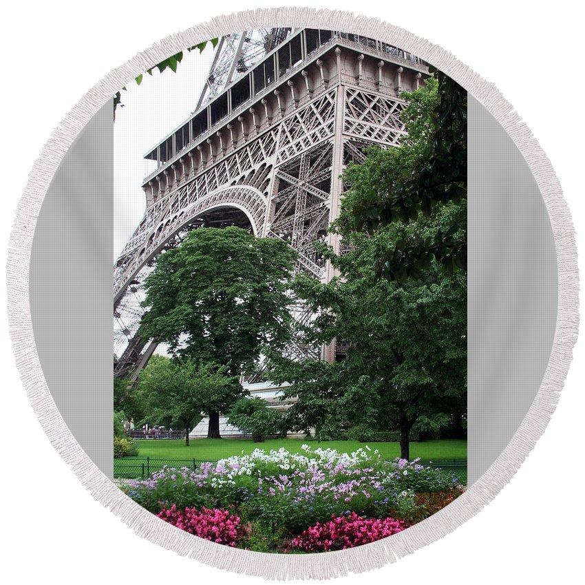 Eiffel Round Beach Towel featuring the photograph Eiffel Tower Garden by Margie Wildblood