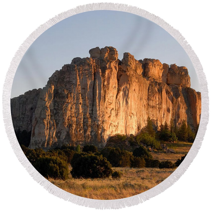 El Morro National Monument New Mexico Round Beach Towel featuring the photograph El Morro by David Lee Thompson