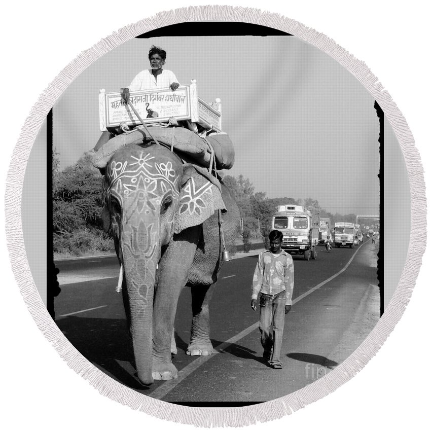 Elephant Round Beach Towel featuring the photograph Elephant Road Traffic by Sonal Dave
