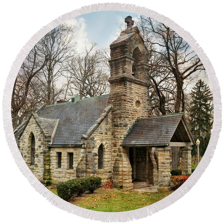 Church Round Beach Towel featuring the photograph Elkhart Illinois Chapel by Marty Koch