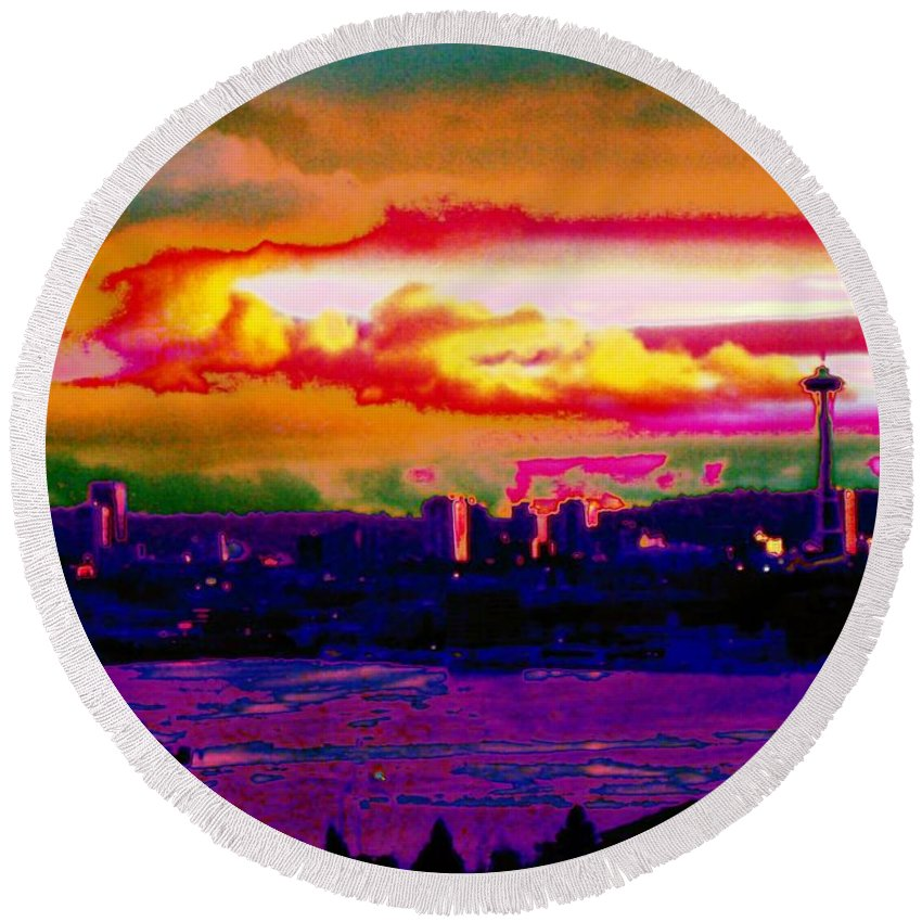 Seattle Round Beach Towel featuring the photograph Emerald City Sunset by Tim Allen
