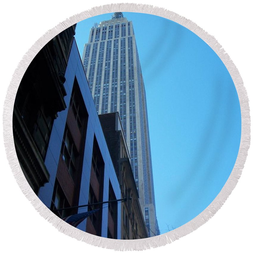 Emoire State Building Round Beach Towel featuring the photograph Empire State 1 by Anita Burgermeister
