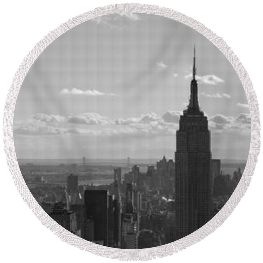 Cities Round Beach Towel featuring the photograph Empire State Building Panorama by BONB Creative