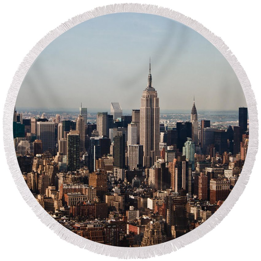 Nyc Round Beach Towel featuring the photograph Empire State Of Mind by Robert J Caputo