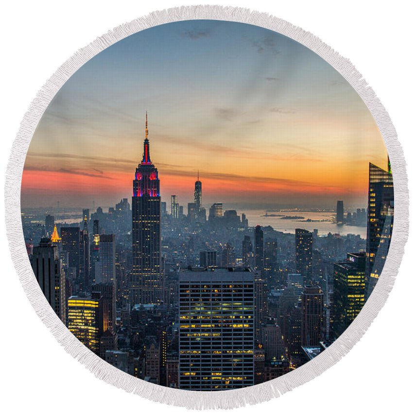 Nyc Round Beach Towel featuring the photograph Empire State Sunset by Robert J Caputo