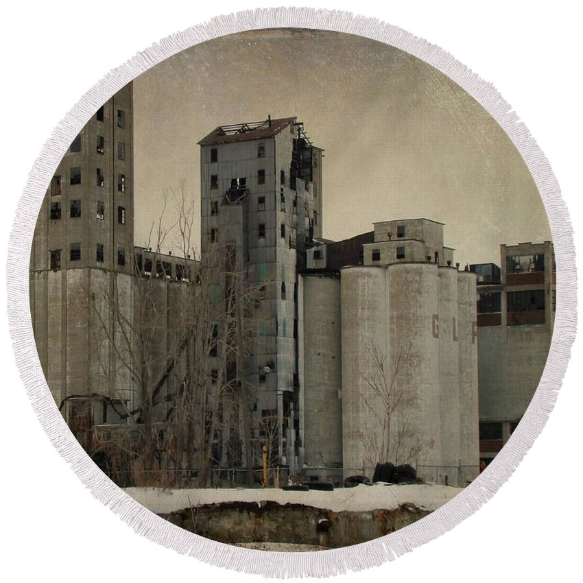 Empty Building Round Beach Towel featuring the photograph Empty Windows by Gothicrow Images