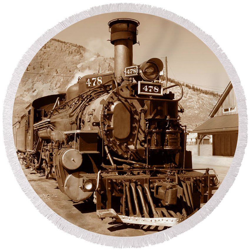 Train Round Beach Towel featuring the photograph Engine Number 478 by David Lee Thompson