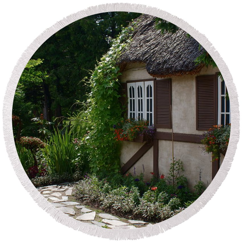 English Cottage At Leo Mol Gardens Assiniboine Park Winnipeg Round Beach Towel featuring the photograph English Cottage by Joanne Smoley